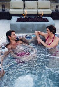 Couple dans un spa Aquilus