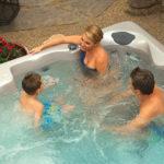 Ambiance famille dans un spa Aquilus