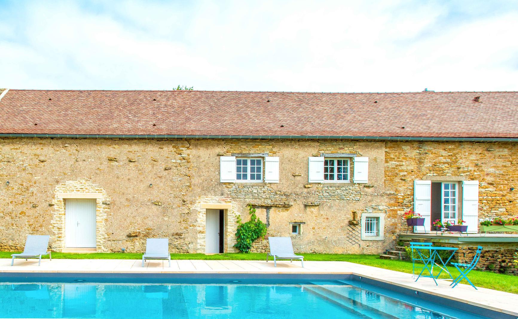 Bora, une piscine exceptionnelle en Saône et Loire 3