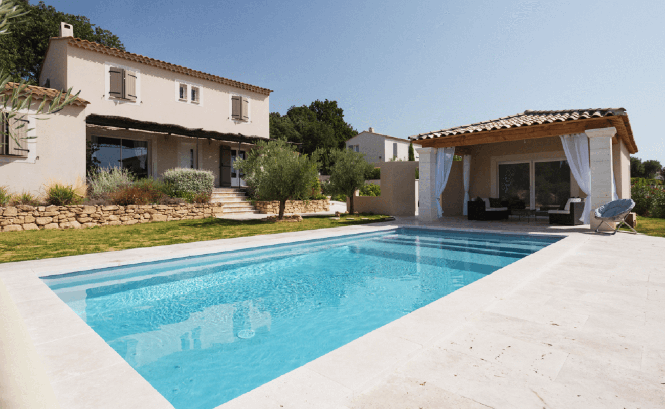 Une piscine en kit s'invite dans le Gard 2