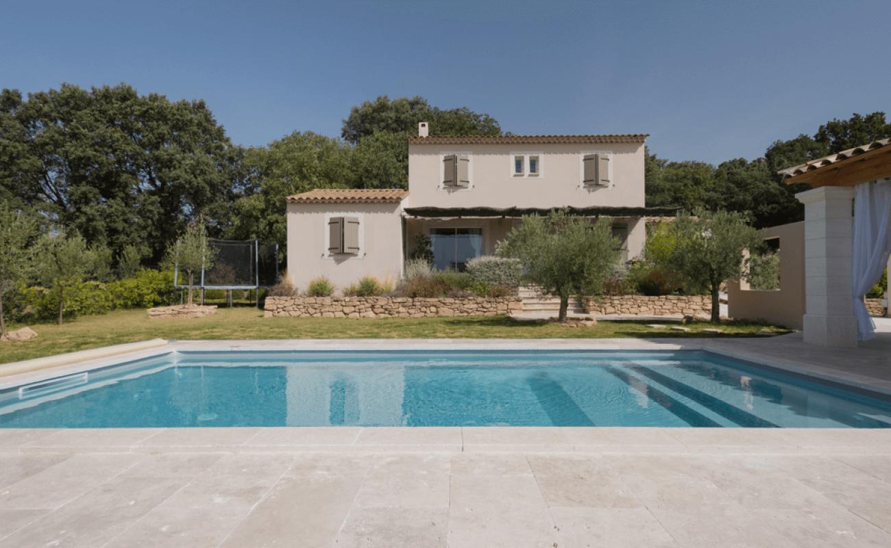 Une piscine en kit s'invite dans le Gard 4