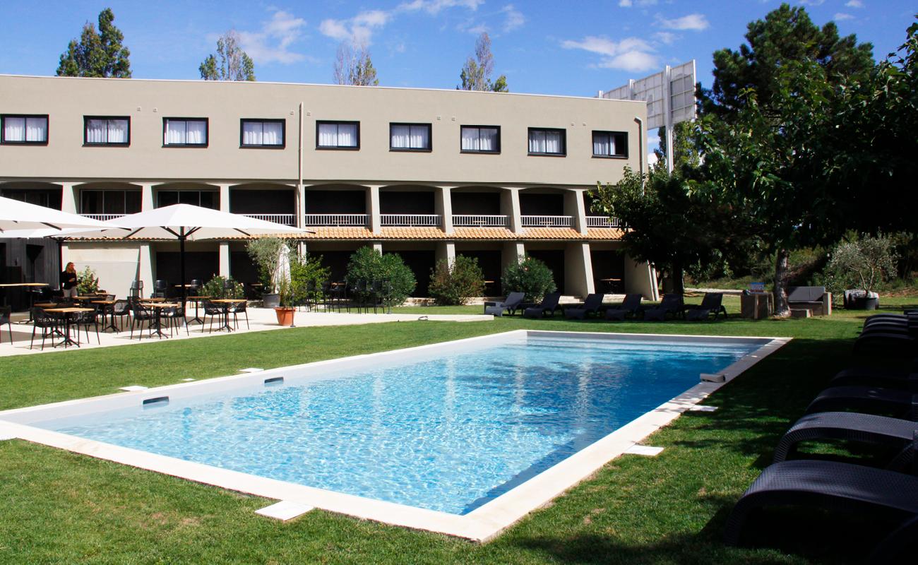 Bienvenue à la piscine de l'hôtel !
