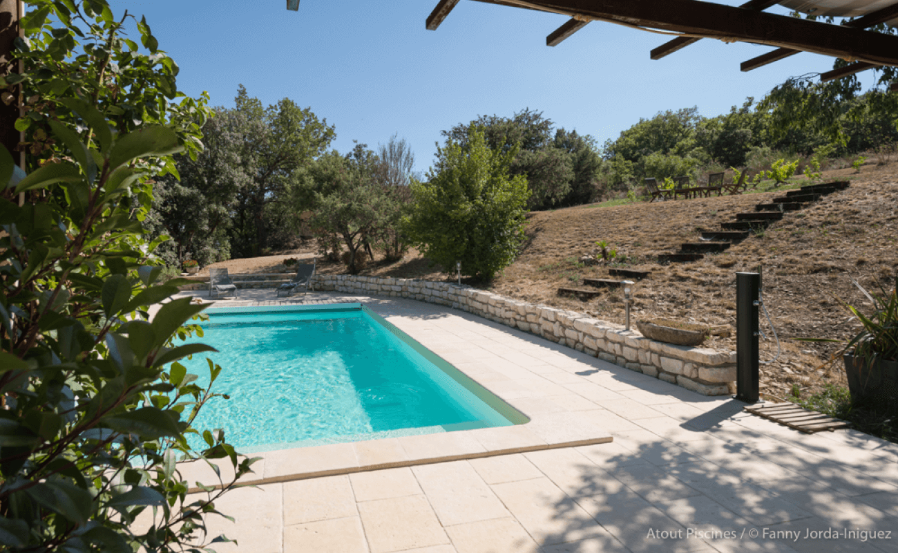Une rénovation de piscine dans l'un des plus beaux villages de France 2