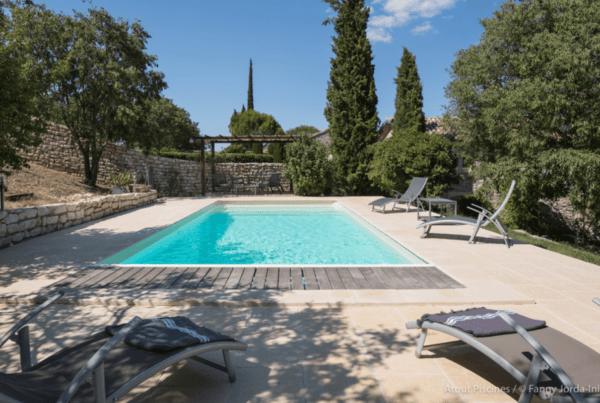 Une rénovation de piscine dans l'un des plus beaux villages de France 3