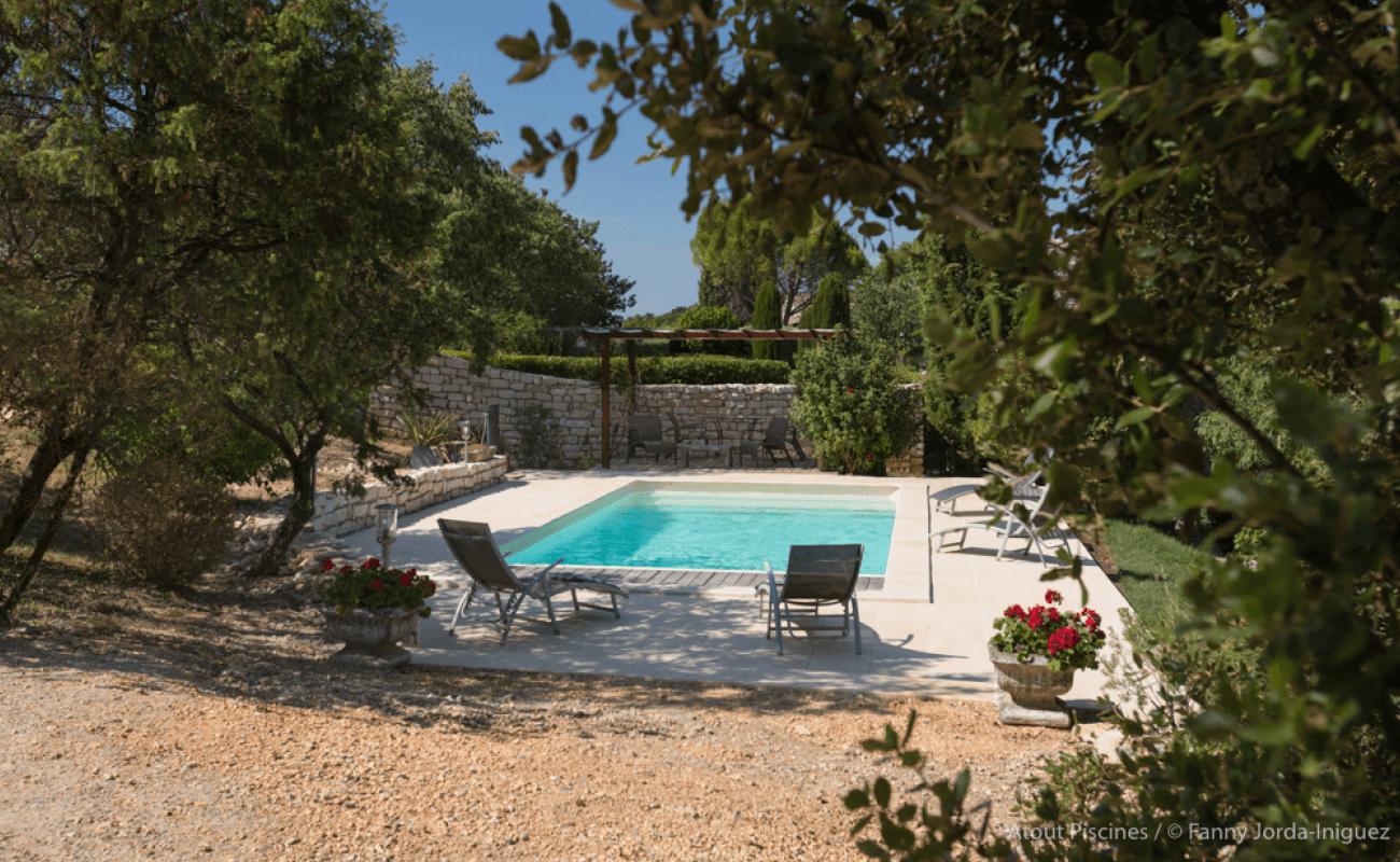 Une rénovation de piscine dans l'un des plus beaux villages de France 6