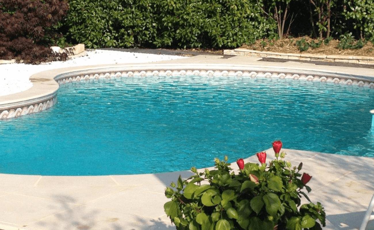 piscine aquilus arrondie Valence